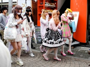 takeshita-dori-harajuku-style-fashion